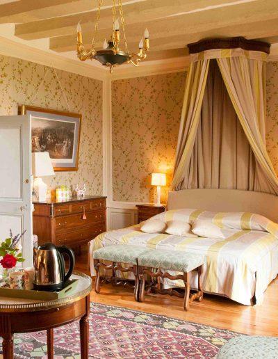 chateau-hodebert-chambre-flore1