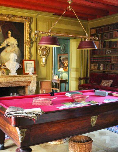 Château Hodebert le salon rouge